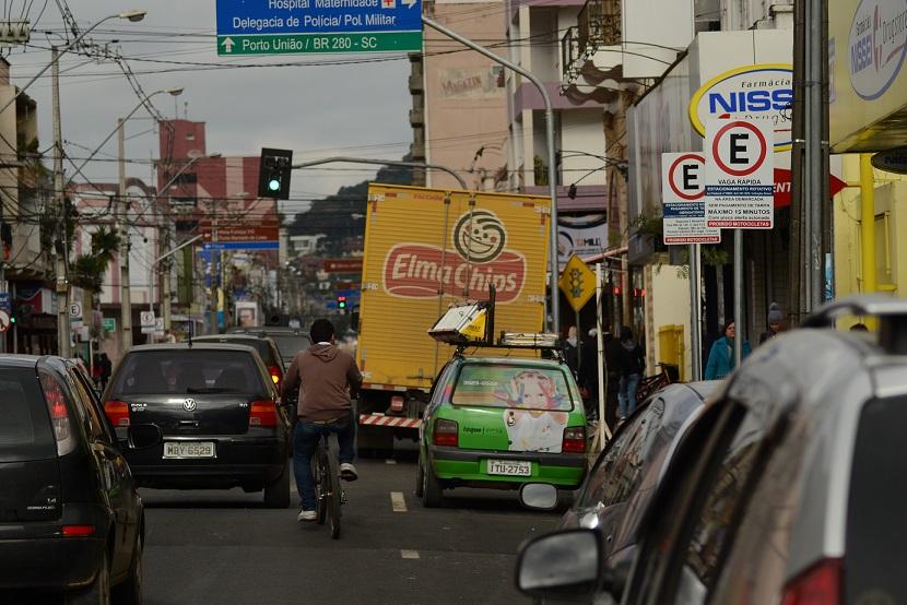 Falta-de-sinalização-dificulta-trânsito-no-centro-da-cidade3.jpg