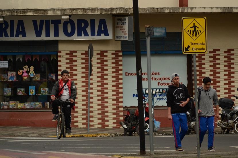 Falta-de-sinalização-dificulta-trânsito-no-centro-da-cidade5.jpg