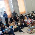 Alunos participam da gincana da Escola de Educação Básica Santa Cruz, de Canoinhas
