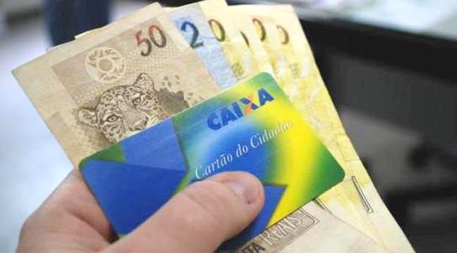Para sacar o PIS/Pasep, trabalhador deve apresentar o cartão cidadão