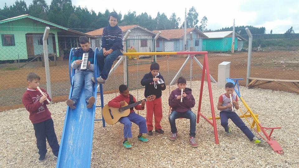 Meninos-de-Matos-Costa1.jpg