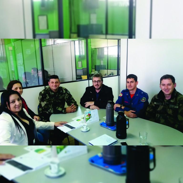 Reunião-realizada-na-sede-da-Fatma.jpg