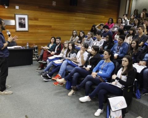 Estudantes catarinenses participantes do 22º Parlamento Jovem