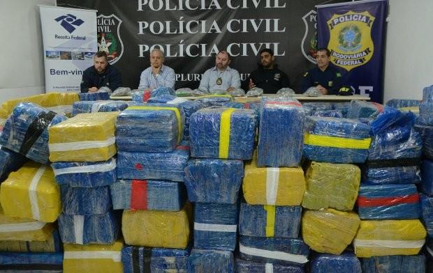 florianopolis_-_policia_civil_prf_e_receita_federal_falam_sobre_apreensao_de_drogas_20170708_1037470566.jpg