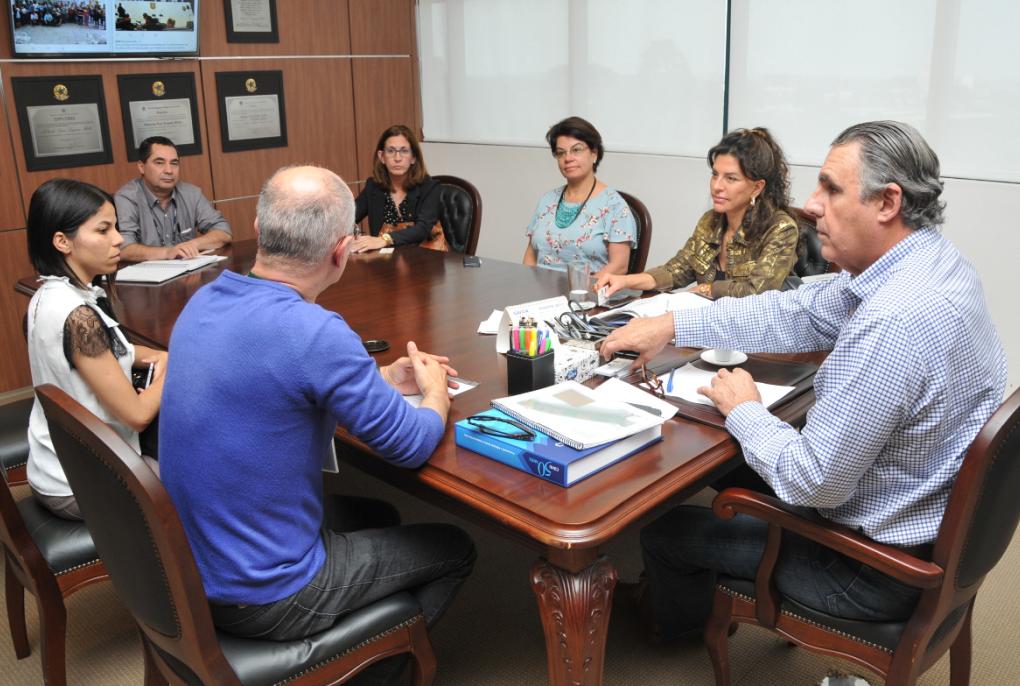 Cohapar-estuda-parcerias-em-ações-do-programa-Justiça-no-Bairro.png