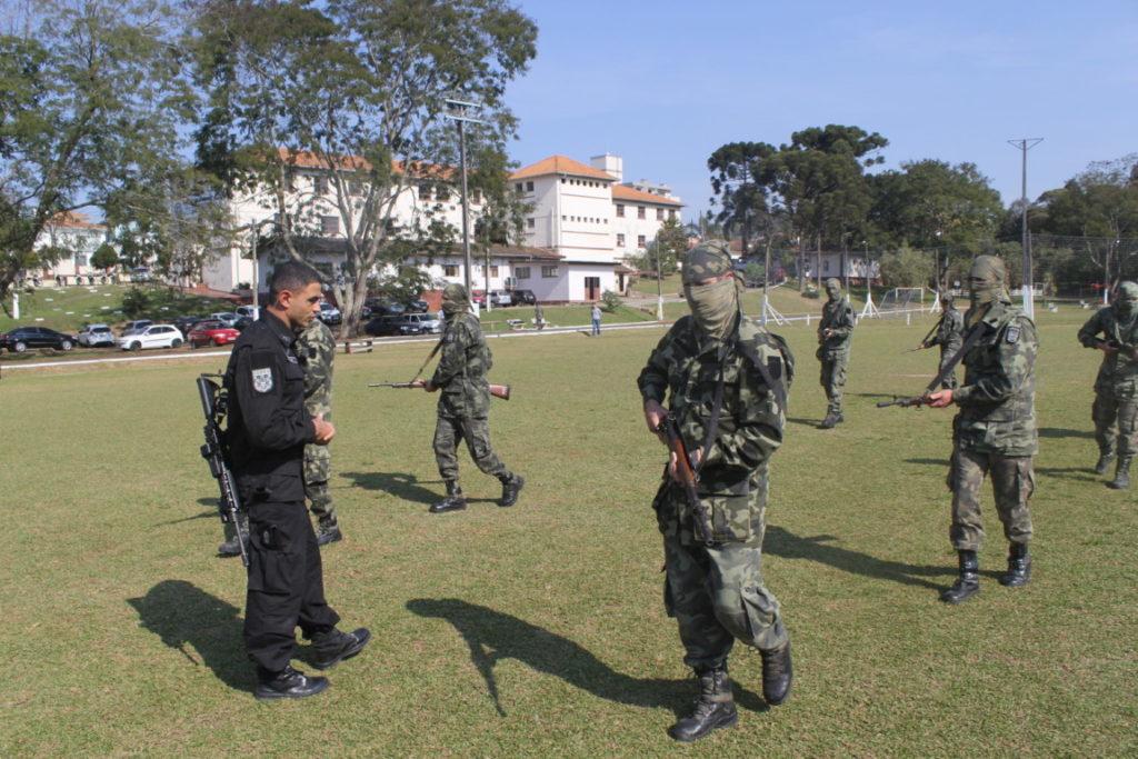 Foto-1-treinamento-com-equipe-do-Bope.jpg