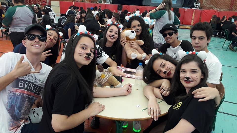 f23-11-17-Escola-Paulo-Schieffler-realiza-cultural-game4.jpg