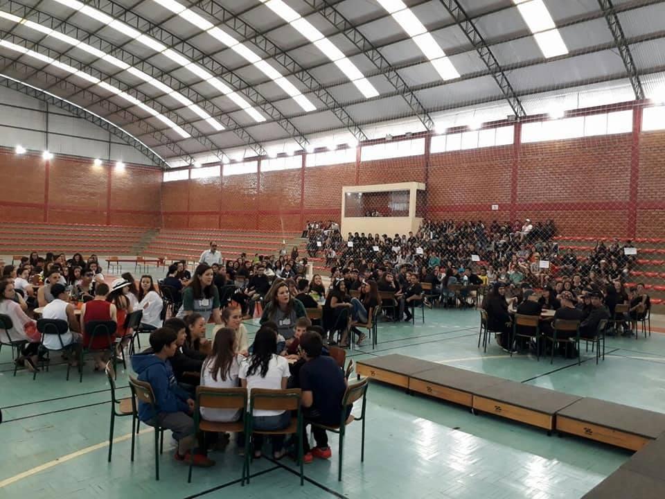 f23-11-17-Escola-Paulo-Schieffler-realiza-cultural-game5.jpg