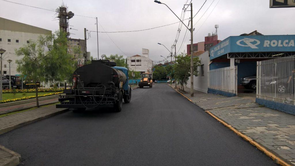 f081217-Transito-Interditado-Centro-Porto-União-Pavimentação-1.jpg