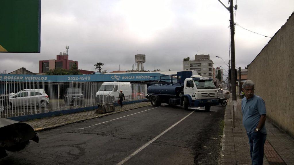 f081217-Transito-Interditado-Centro-Porto-União-Pavimentação-9.jpg
