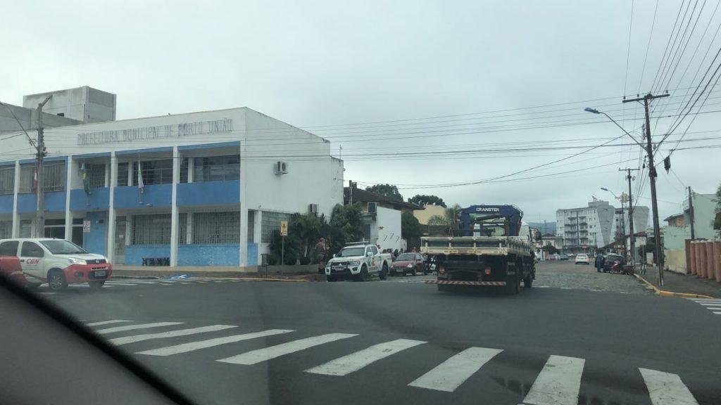 f220117-Loc-Prefeitura-de-Porto-União-fecahada-pela-polícia-2.jpeg