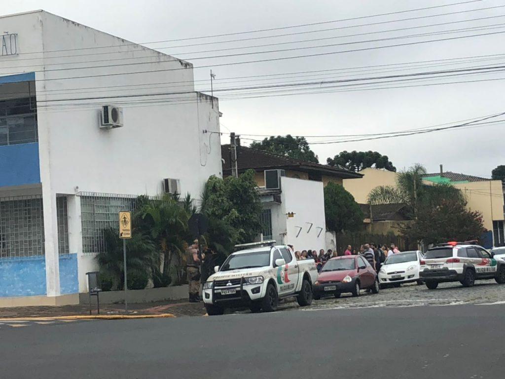 f220117-Loc-Prefeitura-de-Porto-União-fecahada-pela-polícia-5.jpeg
