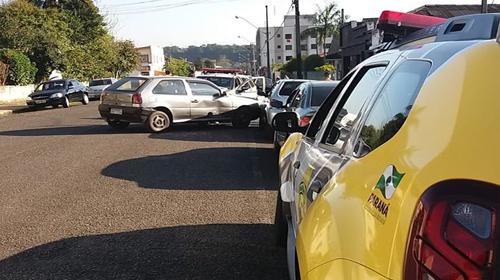 f19-07-18-viatura-policial-se-envolve-em-acidente2.jpg