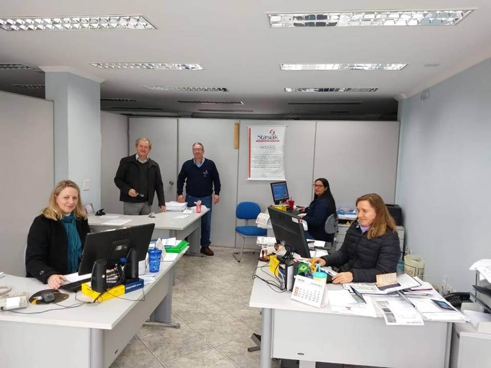 f11-08-18-funcionarios-stasiaki.jpg